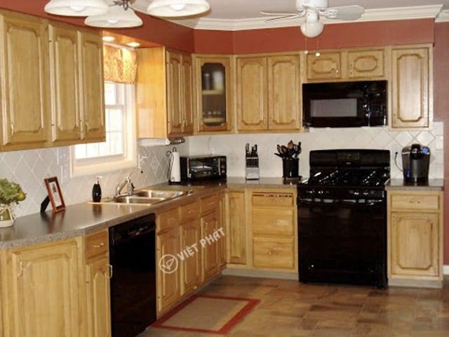 Tủ bếp inxo giả gỗ kiểu chữ L