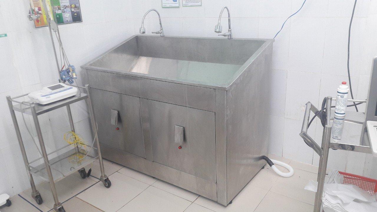 bồn rửa tay tiệt trùng 2 vòi