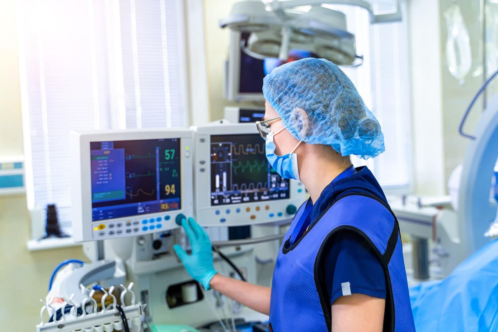 Trang thiết bị y tế hỗ trợ điều trị kịp thời và nhanh chóng