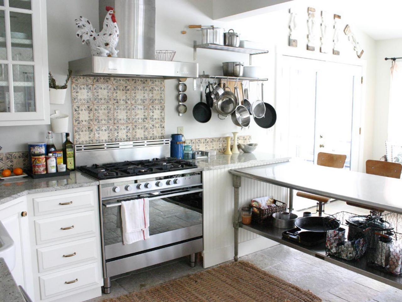 Đồ inox gia dụng là một phần không thể thiếu của không gian bếp